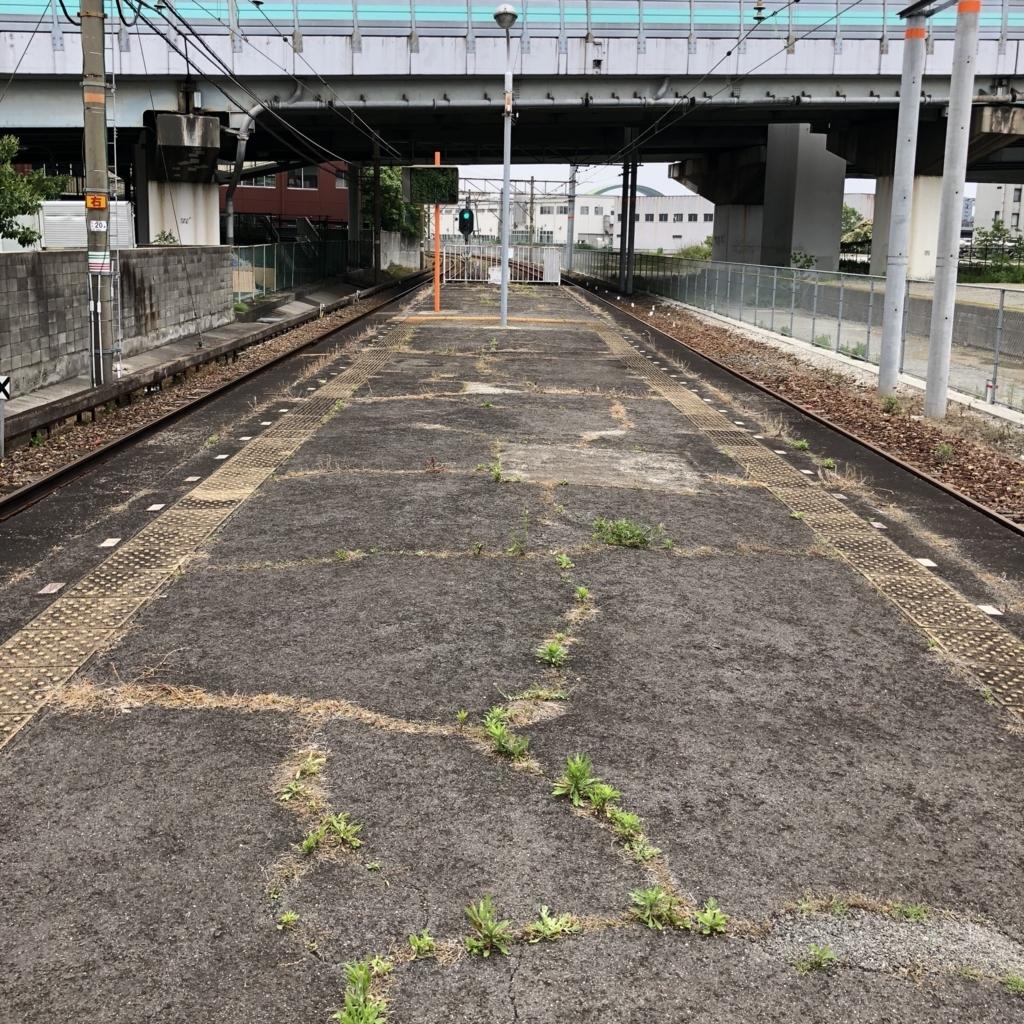 木津川駅のホーム