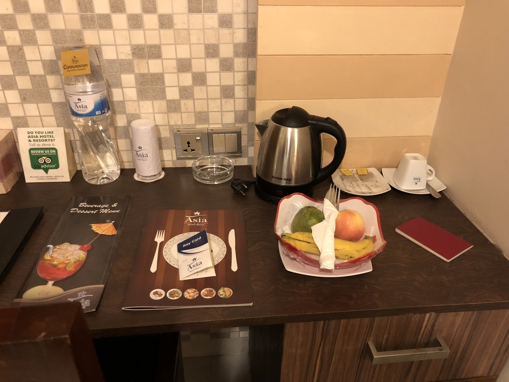 ホテルの机の上にあったウェルカムフルーツ