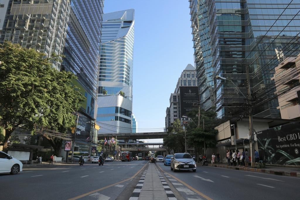 未来都市バンコクの街並み