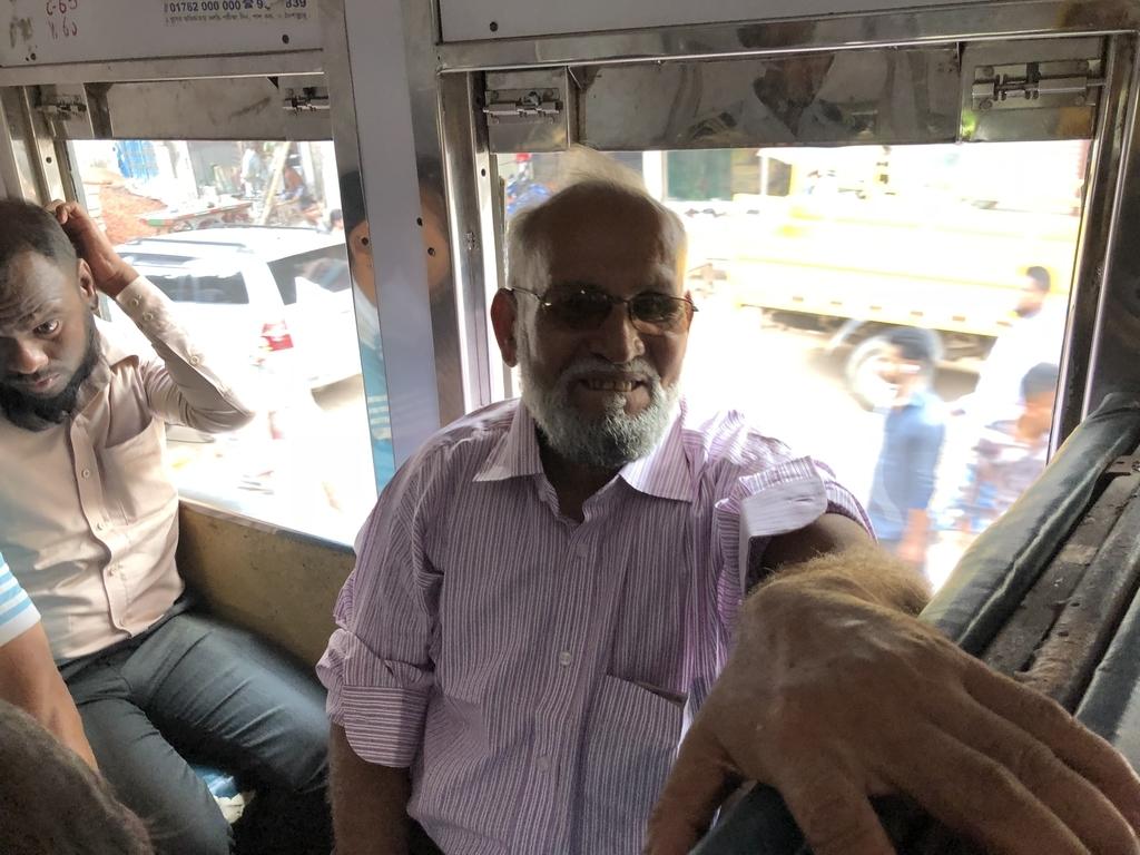 バングラデシュ鉄道の中で出会った日本語を話す乗客