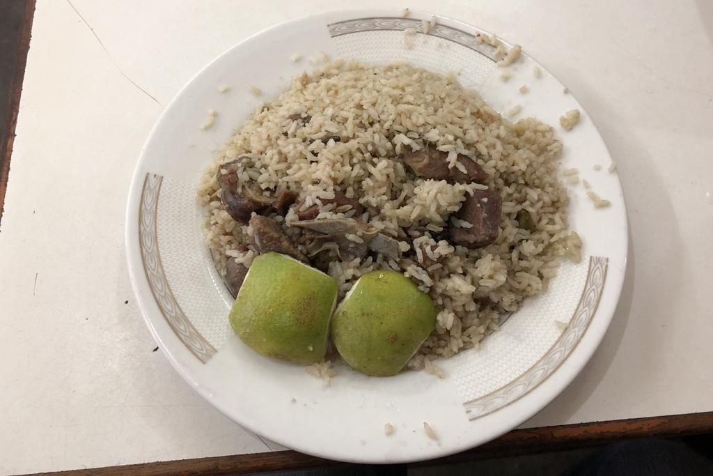 バングラデシュのハジビリヤニで食べたビリヤニ