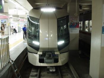 リバティ浅草駅入線