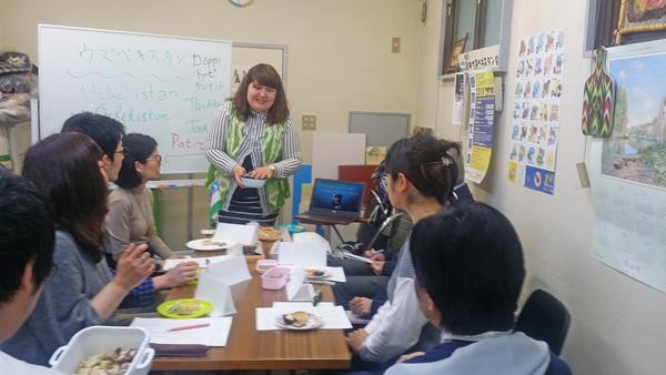 ウズベク語講座の講師でもあるフェルザホンさん