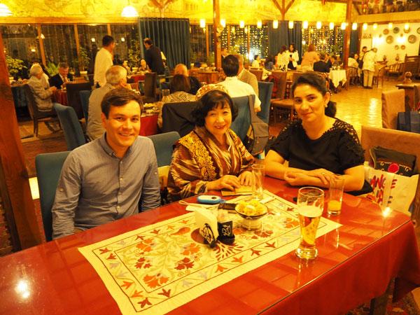 20周年記念パーティーに出席してくれたナジラさん(右)