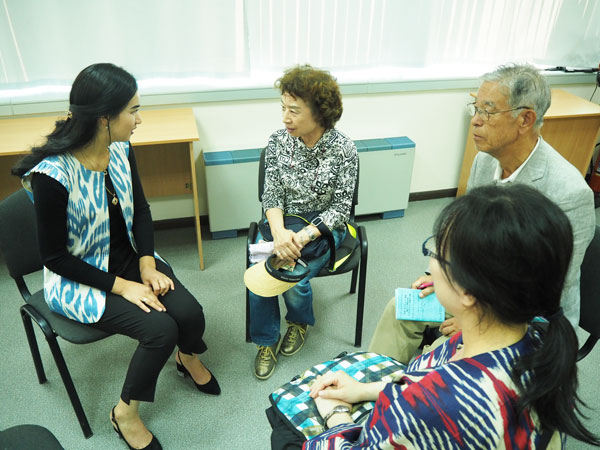 ジャパンセンターで日本語を学ぶ生徒と交流