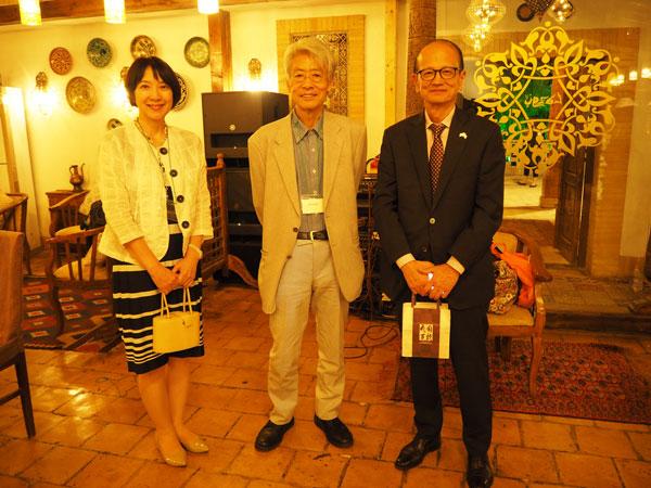 在ウズベキスタン大使館 特命全権大使 藤山 美典ご夫妻と嶌