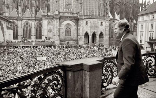 1989年12月、新しく選出された大統領による演説