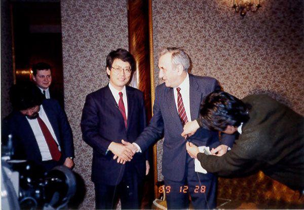マゾビエツキ首相(当時)と嶌