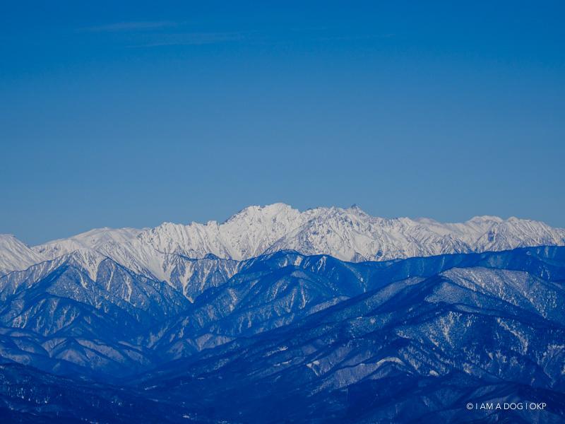 厳冬期の穂高連峰、槍ヶ岳