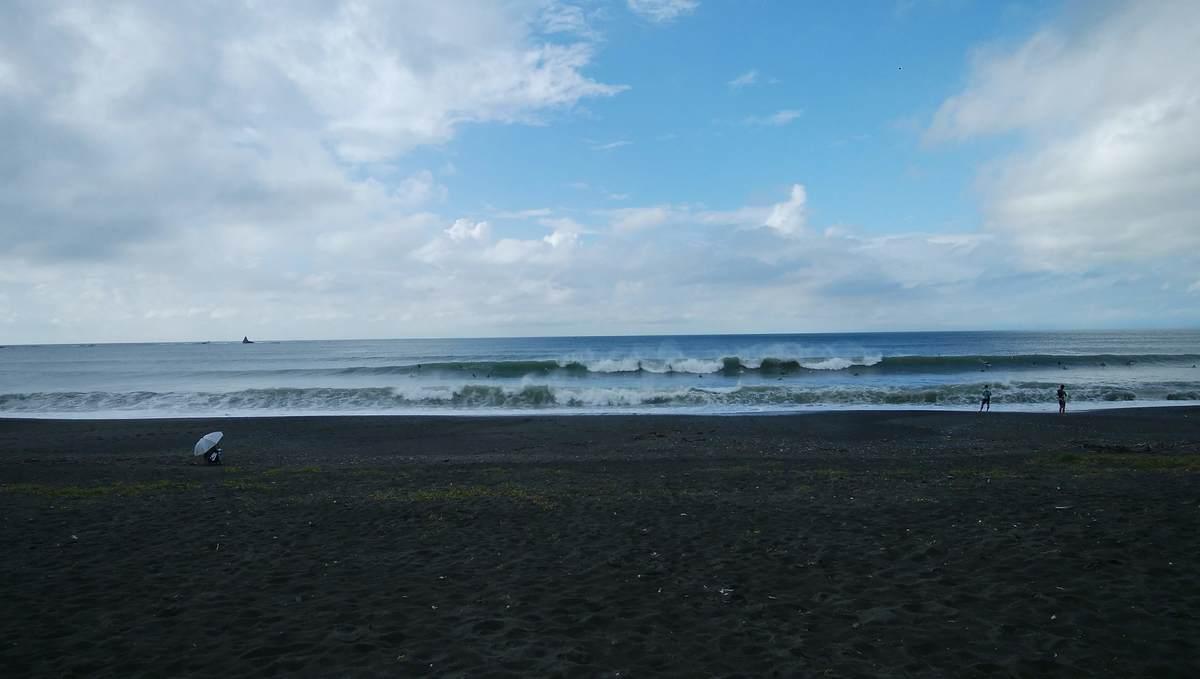 2020年9月6日朝8:13、台風10号波が炸裂する茅ヶ崎裏パーク