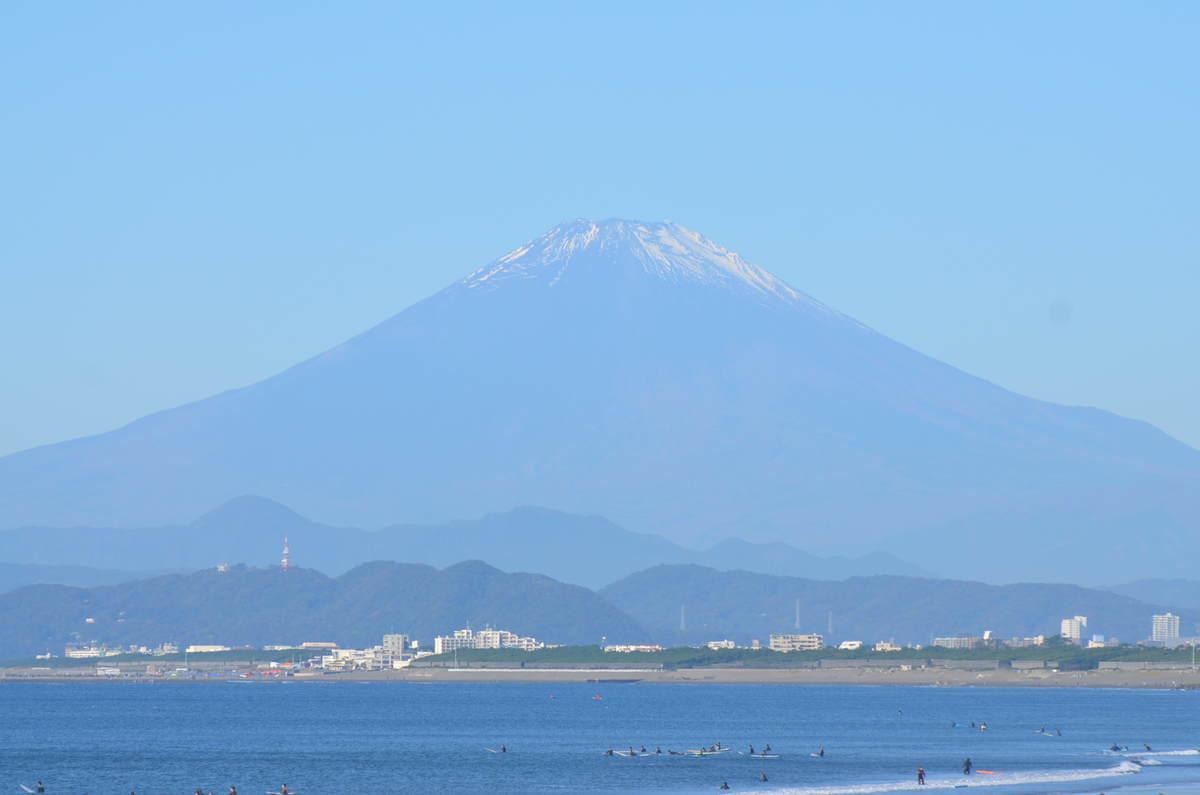 2020年10月31日午前9:16の鵠沼から望む富士山