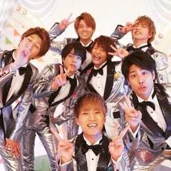 先日MUSIC DAYで、かの有名な(?)ズンドコアルミホイル衣装で登場した関西グループです