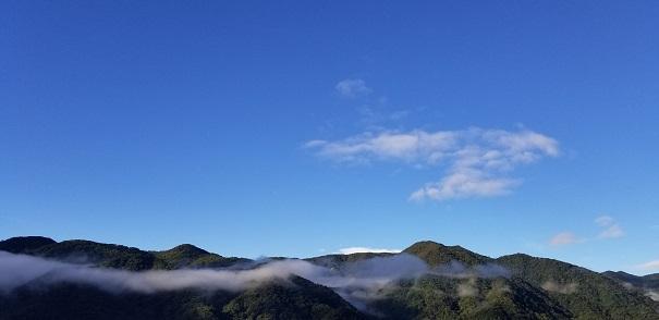 中禅寺湖の空