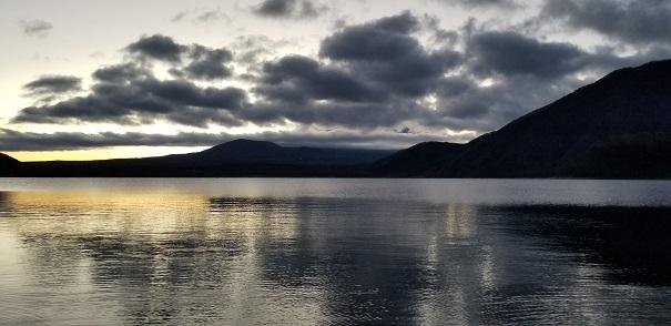 本栖湖 初日の出