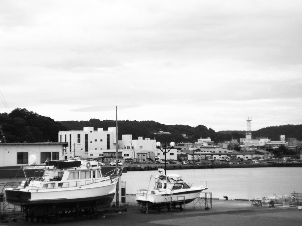 モノクロ写真・港の風景
