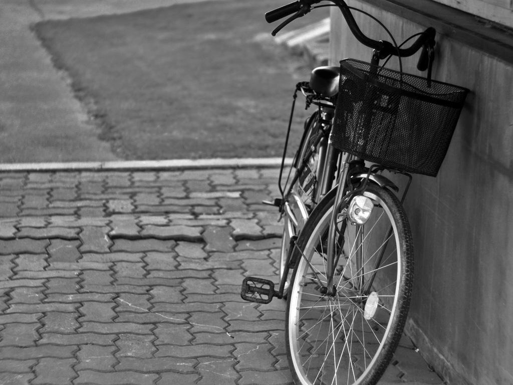 モノクロ写真・自転車