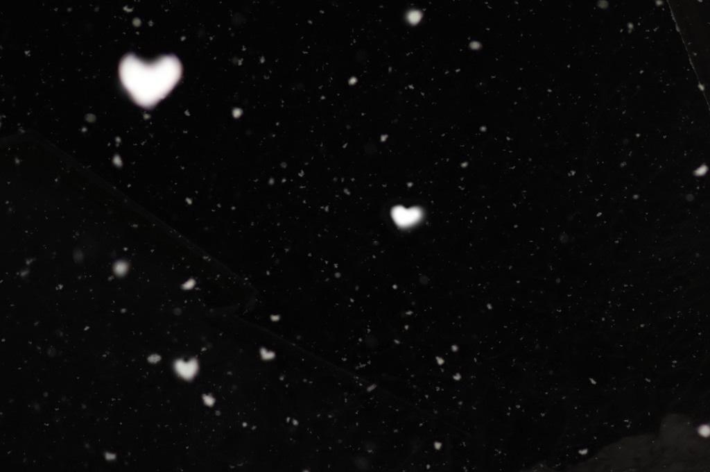 ハートの雪