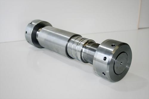 油圧リーマボルト - ボルトエンジニア