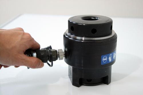 ボルトテンショナー(油圧テンショナー)日本プララド