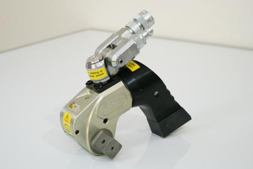 PLARAD 油圧トルクレンチの新型ユニスイベル 最大締付けトルク2100Nm