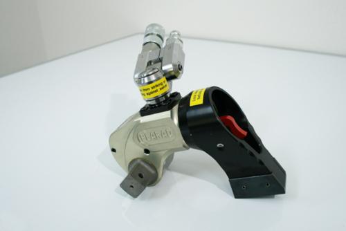 油圧トルクレンチの新型ユニスイベル