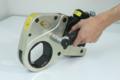 [油圧トルクレンチ][油圧レンチ][パワーレンチ][油圧工具][トルク管理]PLARAD 油圧トルクレンチ・センターホール型(安全取手付き)