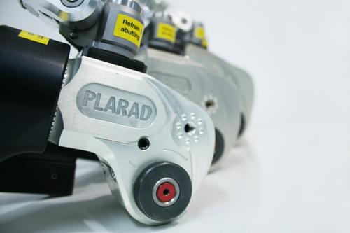 プララド油圧トルクレンチで大型ボルトのトルク管理