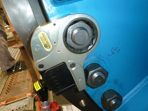 プララド油圧トルクレンチ センターホール型 締付けトルク8000Nm