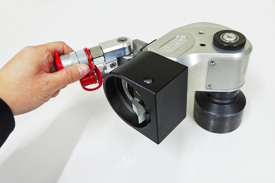 日本プララド - 油圧トルクレンチ特殊反力受け仕様 締付けトルク3000Nm