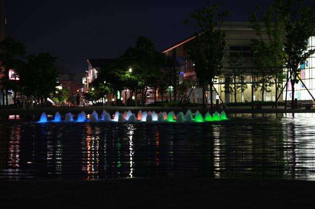 [サンポート][噴水][池]