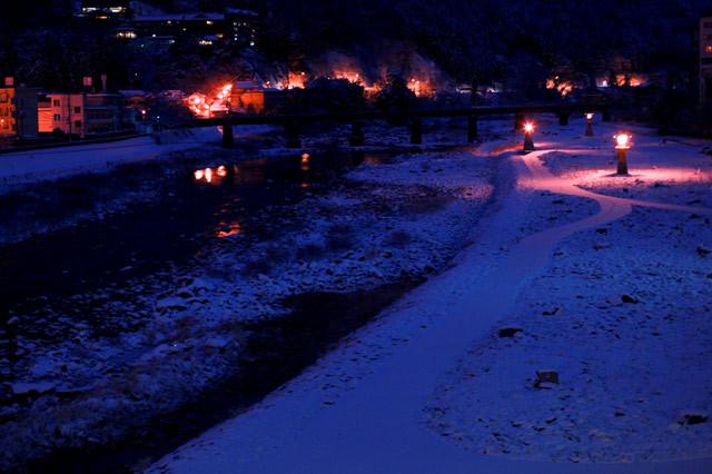 [下呂温泉][夜明け前][飛騨川]