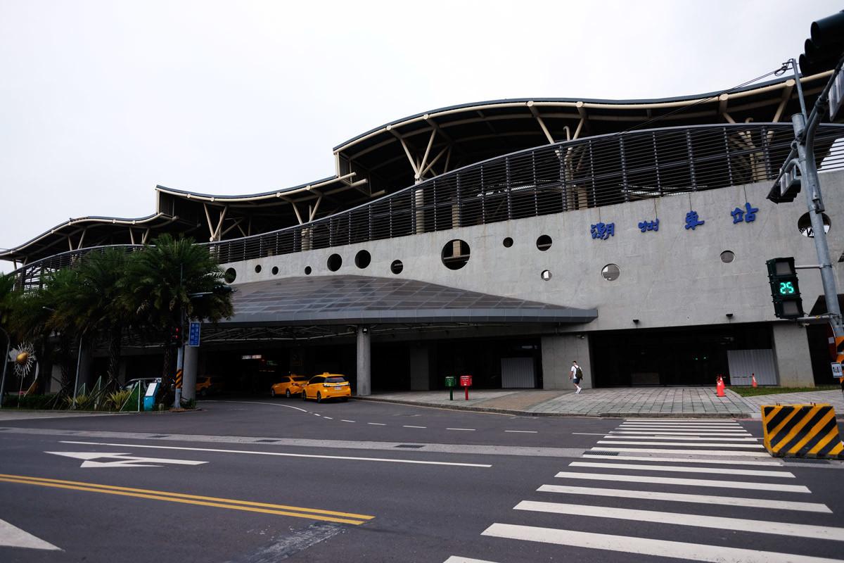 台鉄潮州站も階上駅になっていた