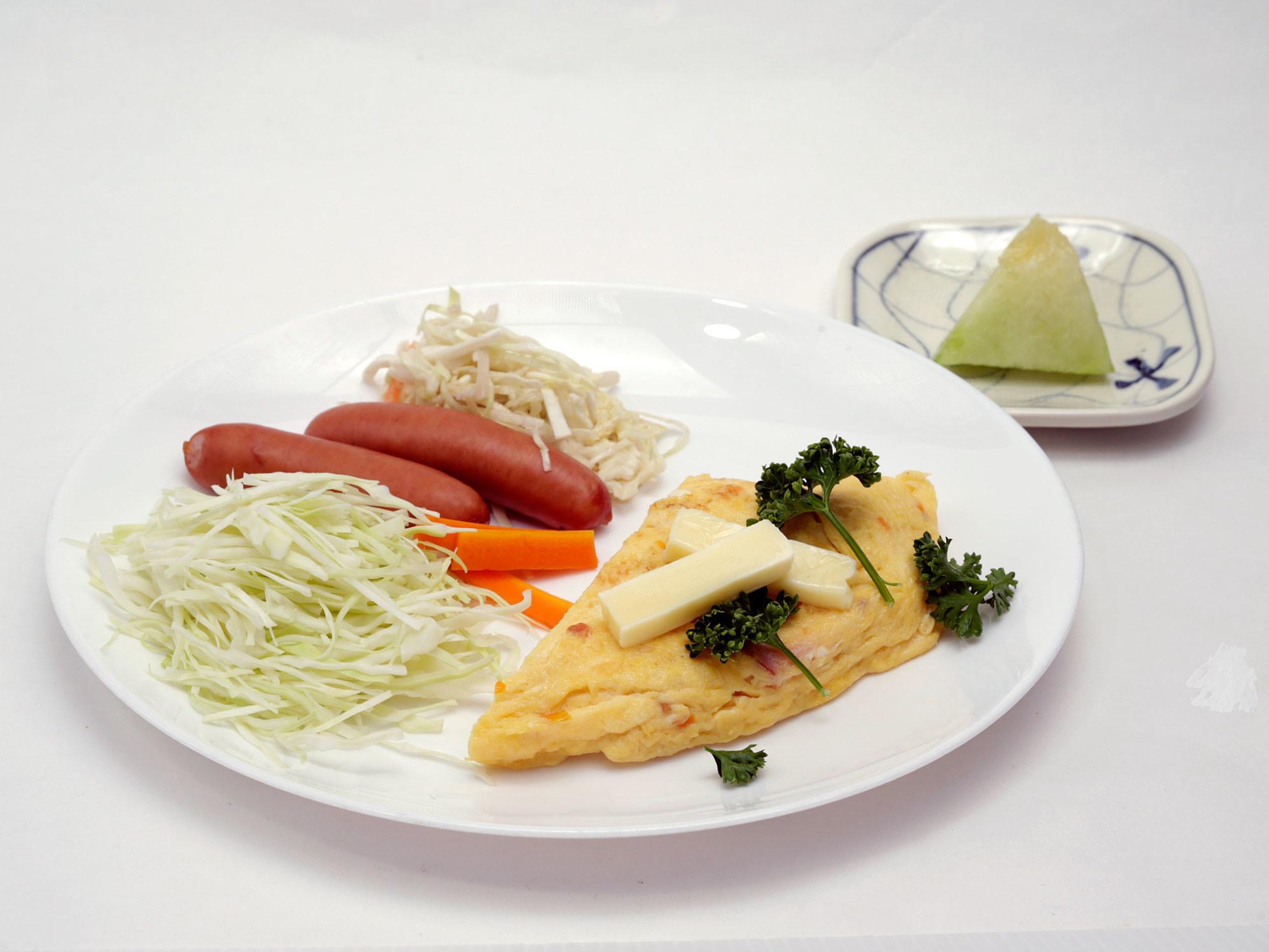 【朝食:二種類のキャベツ…とはよく言ったもので…。】
