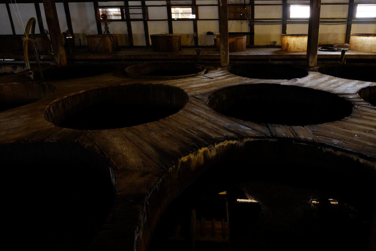 醸造中の醤油樽@佐川醤油店