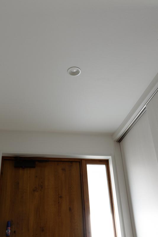 玄関 照明 ダウンライト