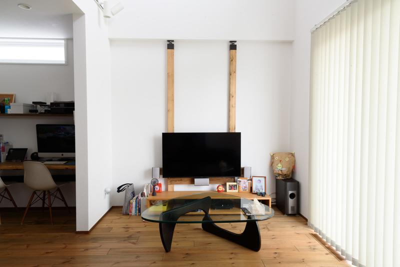 リビング ハイセンス 50E6800 吹き抜け 壁掛けテレビ ラブリコ コーヒーテーブル バーチカルブランド ニチベイ アルペジオ
