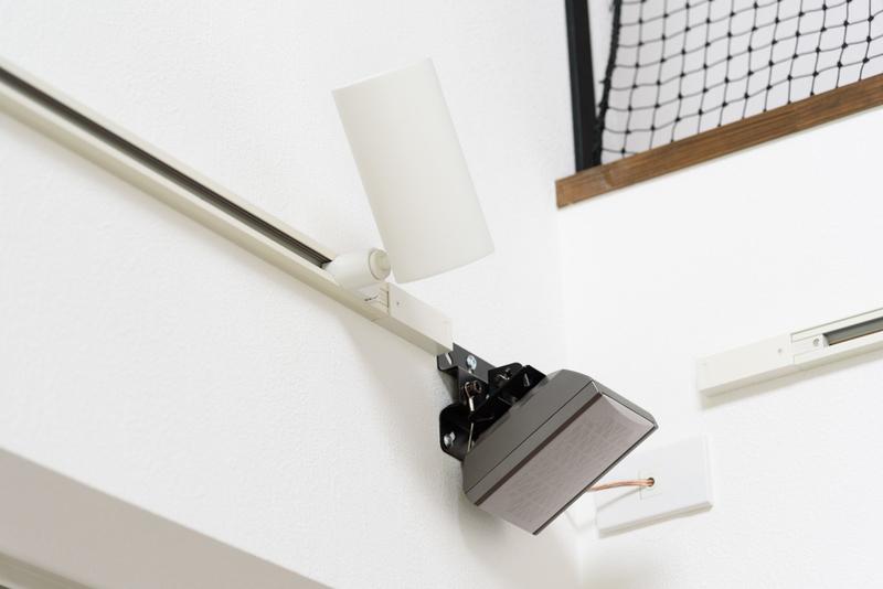 リビング リビングシアター ホームシアター 空配管 サラウンドスピーカー 配線 隠す 壁掛け金具