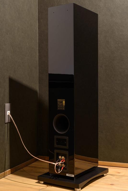ONKYO D-509  シアタールーム ホームシアター トールボーイ スピーカー ピアノブラック 低音調整用スポンジ バスレフポート 背面