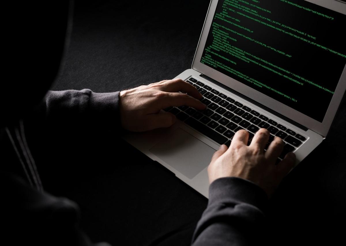 不正アクセス、ハッキングする