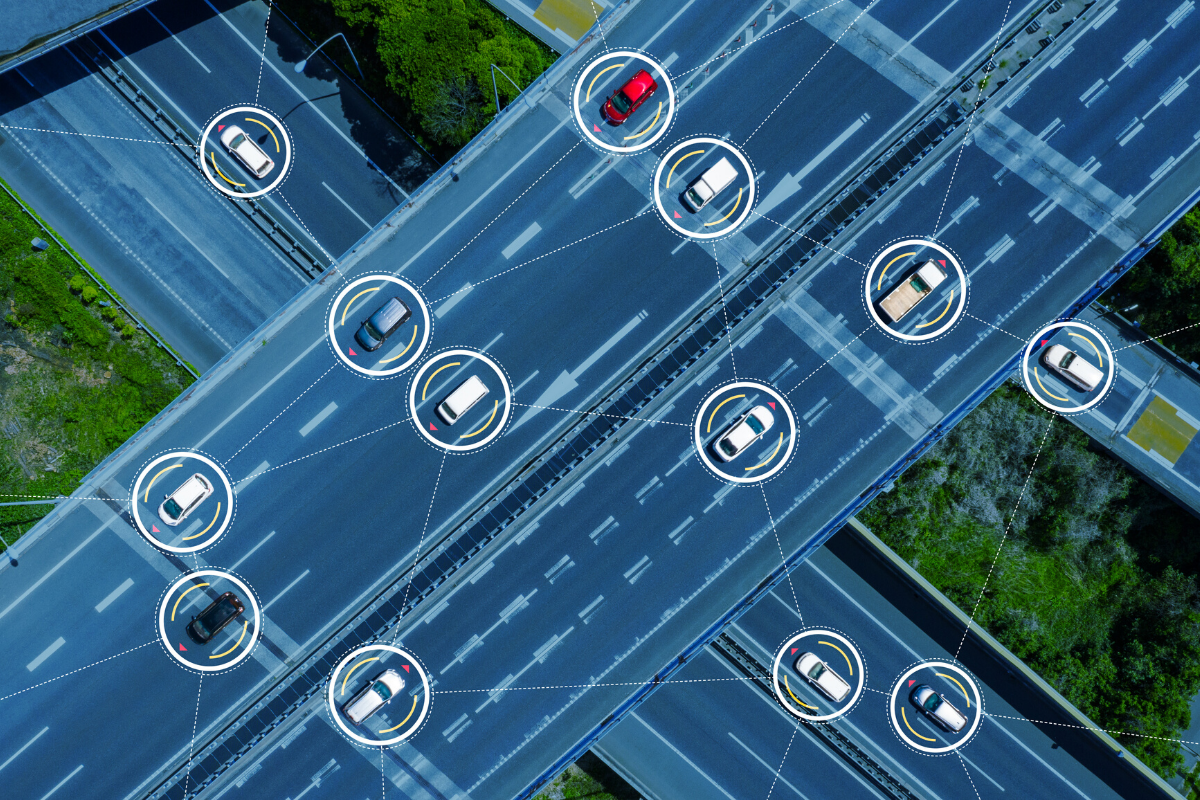 自動運行装置の普及につれ、問われる自動車製造業者のセキュリティ対策