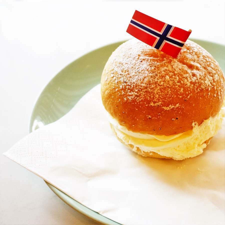 北欧・ノルウェーの菓子パン ファステラーヴンスボッレ