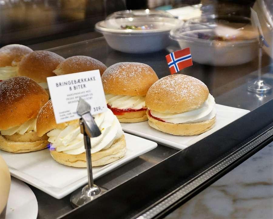 北欧・ノルウェーの菓子パンのファステラーヴンスボッレ