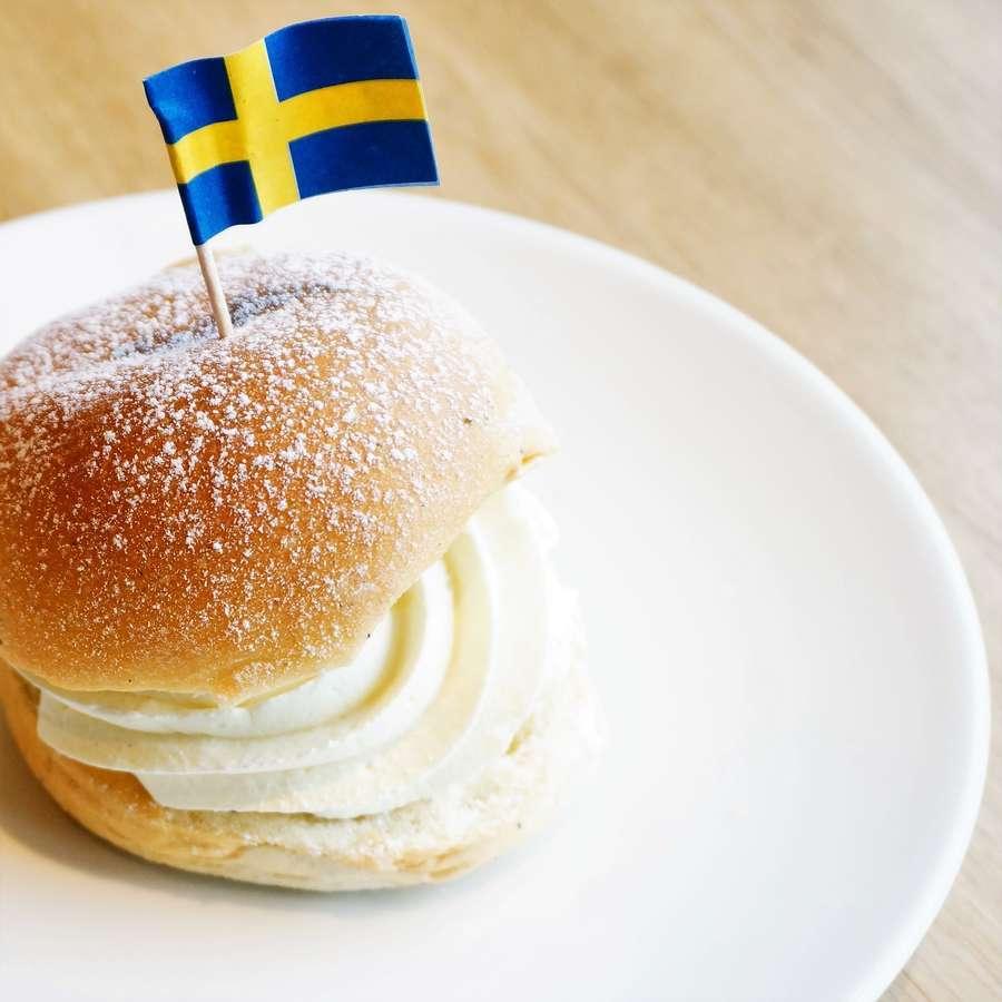 スウェーデンの菓子パンのセムラ