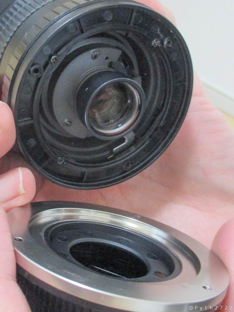 マウント部が外れた、壊れたSAMYANG  14mm F2.8