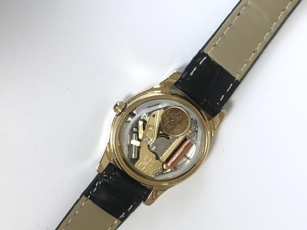 シチズン腕時キュー&キューQA37-102の電池交換の画像