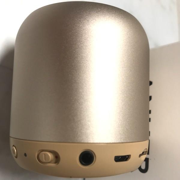 Anker Soundcore mini A31015B1 電源ボタンや有線接続箇所