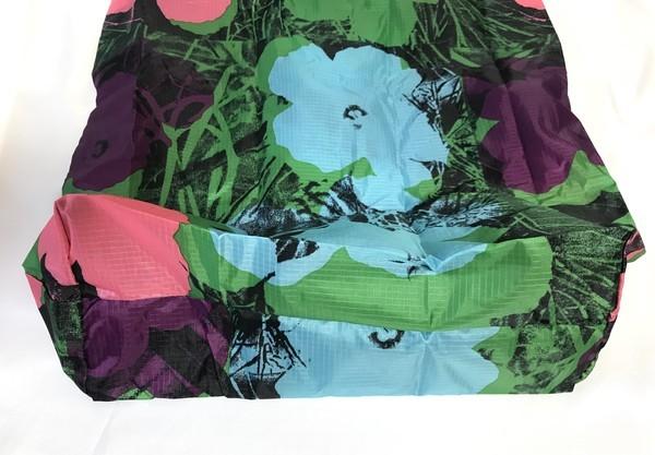 ユニクロのアンディウォーホル花柄エコバッグ