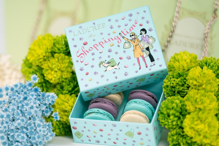 《お菓子とデザイン》【LADUREE(ラデュレ)】「ショッピングタイム」のパッケージ♬