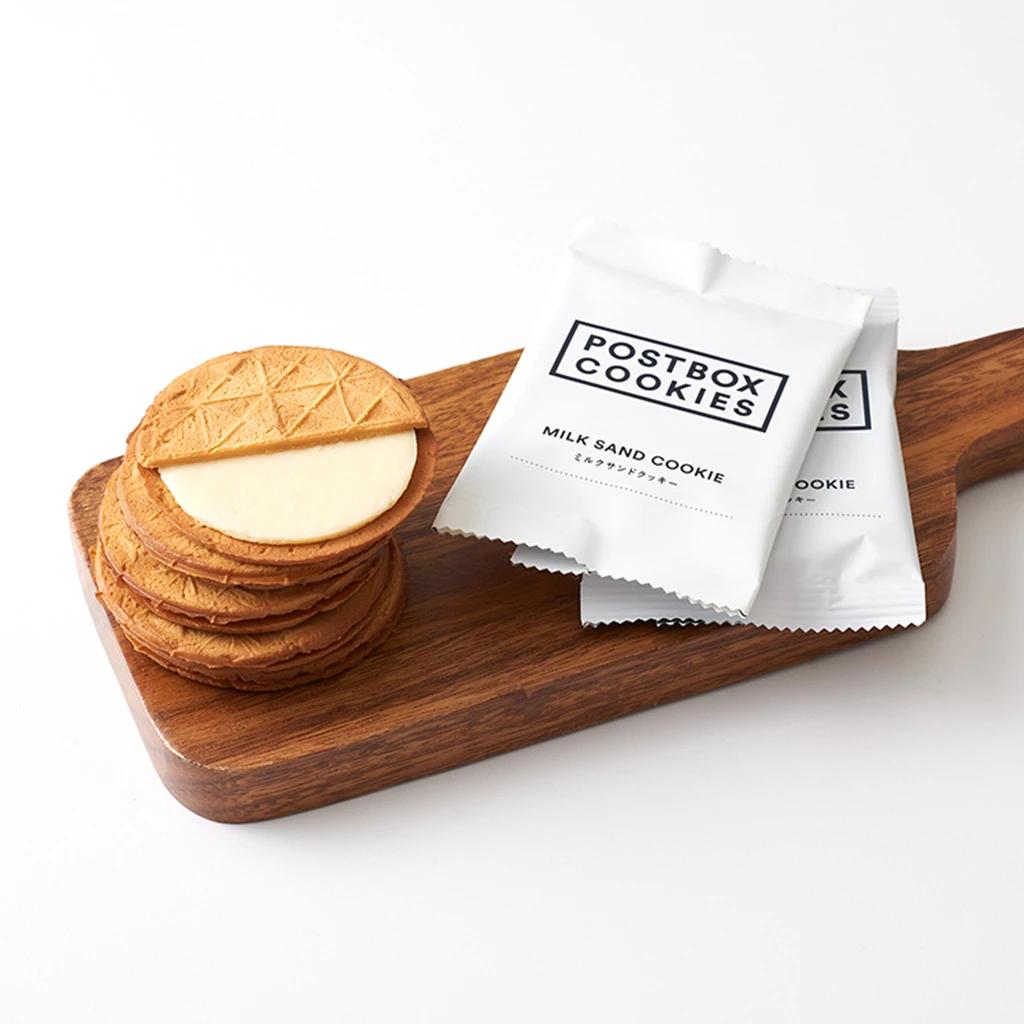 画像出典:POSTBOX COOKIES ミルクサンドクッキー 2枚入BOX (CONGRATULATIONS)