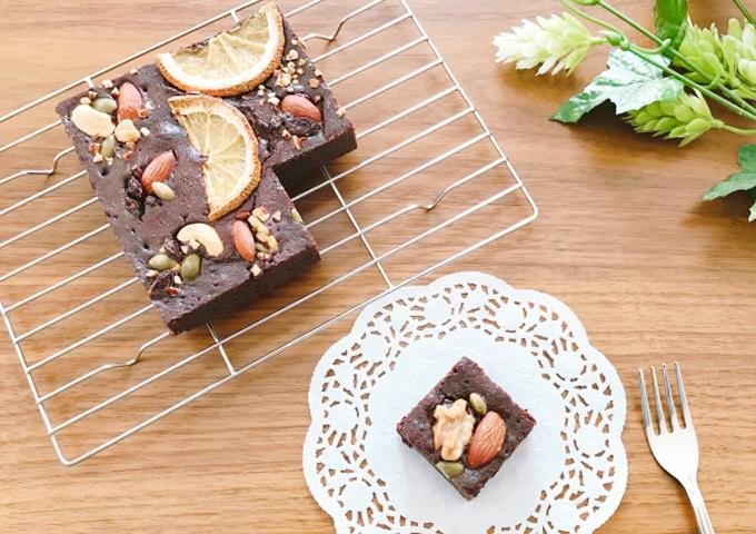 《お菓子とデザイン》鎌倉紅谷、デニムポーチ付き「クルミっ子」が大人気の焼き菓子パッケージほか3選